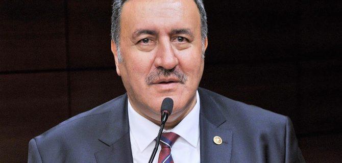 """""""AKP hükümeti bozuk karnesini düzeltmelidir"""""""